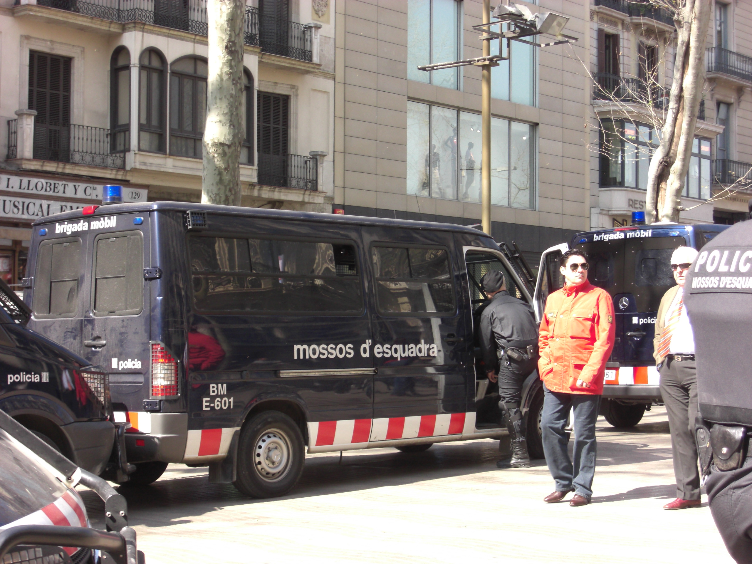Videos De Los Mossos De Escuadra Barcelona Marc