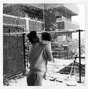 Risas bajo la nieve